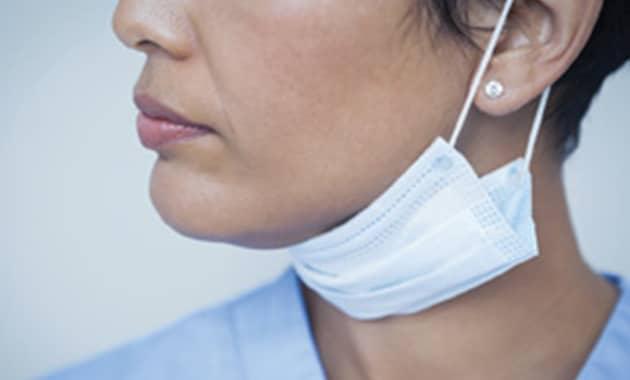 femme chirurgien dentiste