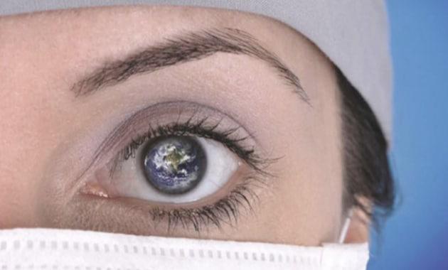 oeil d'une dentiste en forme de planete