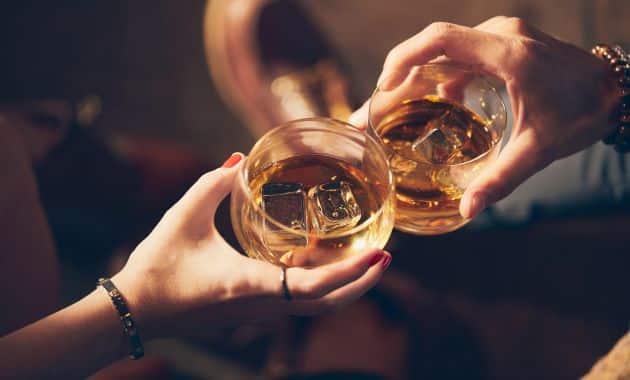 En France, la consommation d'alcool a de lourdes répercussions.